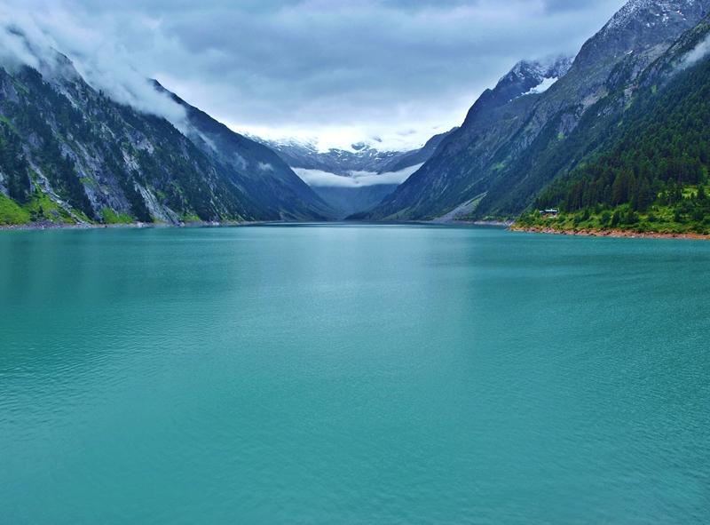 Jazero (nádrž) Schlegeisspeicher