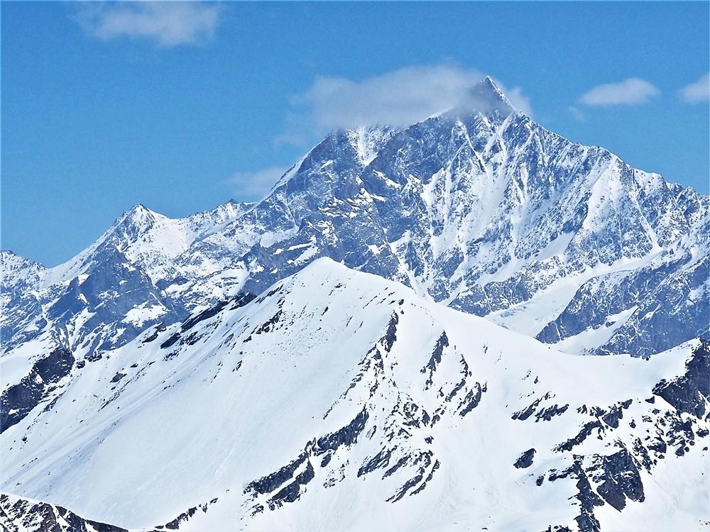 Dom, tretia najvyššia hora Álp