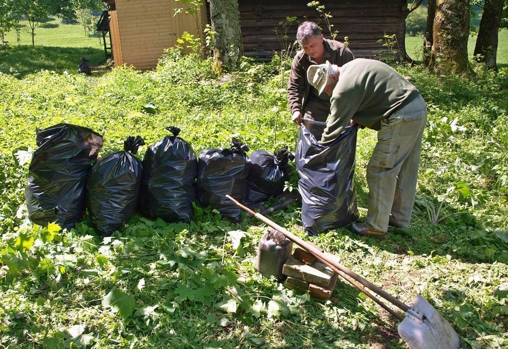 Čistenie národného parku Malá Fatra.